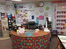 The School Supply Addict- Too many classroom arrangement and organization ideas!!! LOVE!