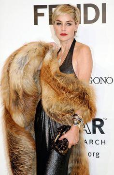 Sharon Stone Rocks Bikini, See Her Many Ageless Looks Fur Fashion, Fashion Models, Sharon Stone Photos, Body Hugging Dress, Fabulous Furs, Shape Magazine, Hollywood, Beauty Women, Celebs