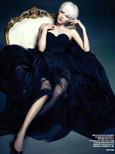 she-loves-fashion:  Lee Yeon Hee by Ahn Joo Young forHarper's Bazaar Korea July 2013