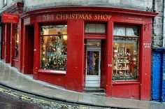 Images of Scotland The Christmas Shop Edinburgh Pictures from the Highlands Lowlands and Islands of Scotland Images Maps Cities Mountains Christmas Shopping, Christmas Time, Christmas Facts, Merry Christmas, English Christmas, Christmas Houses, Christmas Blessings, Christmas Scenes, Country Christmas