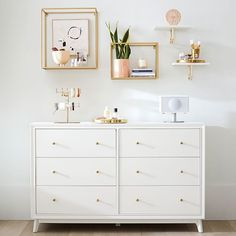 Shop modern bedroom dressers and nightstands at Pottery Barn Teen. Discover modern bedroom sets with coordinating dressers and nightstands to create the ultimate modern teen bedroom Teen Dresser, Dresser Sets, Bedroom Dressers, Dresser Top Decor, White Bedroom Dresser, Dresser Top Organization, Dresser Styling, Dresser Shelves, Small Dresser