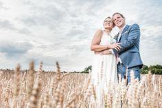 Diese wunderschöne Hochzeitsfotos haben wir in den niederösterreichischen Weinbergen fotografiert  #Hochzeit #wedding #Hochzeitsfoto #weddingpicture #Weinberge #vino #invinoveritas #Hochzeitsfotograf In Vino Veritas, Very Lovely, Wedding Photography, Bridal, Couples, Wedding Dresses, Fashion, Wedding Bride, Wine Vineyards