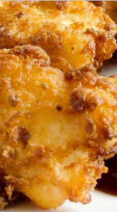 Looing for the perfect chicken tender to feed you family? After taste-testing MANY chicken tenders, we have found the best ever to hit your taste buds! You won't be disappointed with this crumb snatchin' recipe! Chicken Tender Recipes, Baked Chicken, Chicken Feed, Chicken Meals, Crispy Chicken, Boneless Chicken, Chicken Wings, Great Recipes, Favorite Recipes