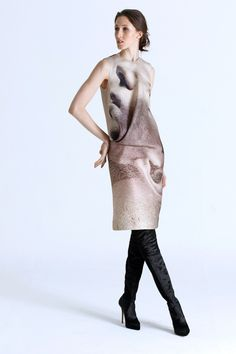 See the complete RR331 Fall 2016 Ready-to-Wear collection.