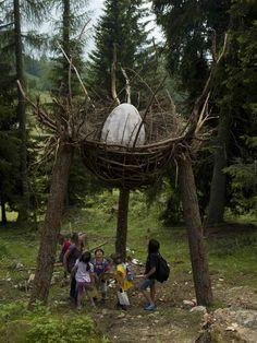 Nido di drago - opera di land art di Marco Nones nella Foresta dei Draghi del Latemar (Predazzo.Gardoné)