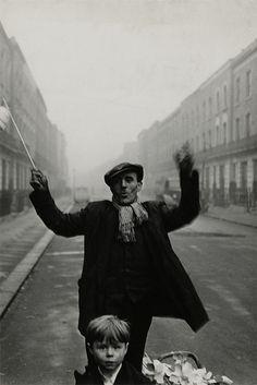 "Roger Mayne, ""Southam Street, North Kensington, London"" 1956"