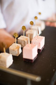 wedding marshmallows - Read More on One Fab Day http://onefabday.com/castle-oliver-wedding-by-christina-brosnan/