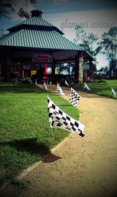 Race Car Party Entry Way - by Courtney Price: Glamour Avenue Parties, via Fli. - The Motor Show Bike Birthday Parties, Dirt Bike Birthday, Hot Wheels Birthday, Car Themed Parties, Hot Wheels Party, Race Car Birthday, Birthday Party Themes, 2nd Birthday, Birthday Ideas