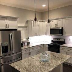 Fabulous Kitchen layout design drawing tricks,Small kitchen dining room remodel and Kitchen remodel albany ny tips. New Kitchen Cabinets, Kitchen Layout, Kitchen Countertops, Kitchen Decor, Kitchen Ideas, Kitchen Designs, Dark Countertops, Open Kitchen, Diy Kitchen