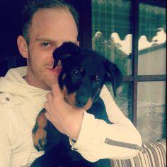 Unser Redakteur Andy mit seinem Hund :-)
