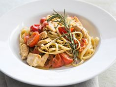 雞肉香蒜意大利面 Pesto Fettuccine with Chicken #DDCrecipe