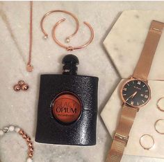 Rose gold obsessed! #watches #opium #flatlay