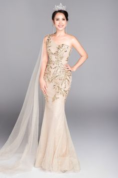 dien lai vay cua ho ngoc ha va h' hen nie, do my linh bien hoa it ai nhan ra - 13 Gala Dresses, Formal Dresses, Wedding Dresses, Sexy Gown, Pageant Gowns, Types Of Dresses, Fashion 2020, Asian Fashion, One Shoulder Wedding Dress
