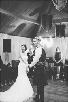 romantic photographers scotland / pastel wedding / Wedding photographers scotland / wedding loch lomond / The Cruin / wedding preps / Chantal Lachance-Gibson photography / First Dance