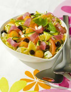 Salade de pâtes estivale au melon et au jambon