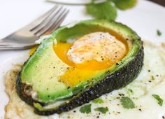 A simple and quick breakfast idea for your next brunch. This recipe is a Californian twist on the breakfast dish, Egg in the Hole. Instead of using bread, I used a thick slice of avocado. Yum! You are going to need a mimosa or two with this one.