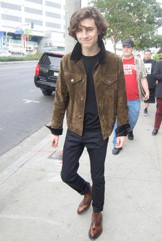 Timothée Chalamet leaving the Film Independent Spirit Awards Nominee Brunch at BOA Steakhouse in West Hollywood, California Beautiful Boys, Pretty Boys, Beautiful People, Look Fashion, Mens Fashion, Timmy T, Street Style 2018, Look Cool, My Boyfriend