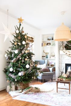 come and see this beautiful neutral christmas tree decoration yourself so pretty and there are