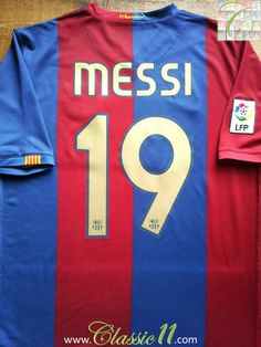 3fad2e5ef Relive Lionel Messi s La Liga season with this vintage Nike Barcelona home  football shirt.