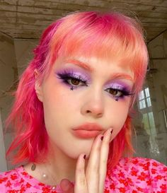 Starburst Cutie @scaredy.cat 💖⭐️ With Lychee locks Pink And Orange Hair, Hot Pink Hair, Pink Hair Dye, Dyed Hair, Bite Beauty, Eyeshadow Palette, Halloween Face Makeup, Cat, Instagram