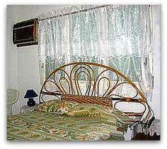 Detalle del dormitorio Hanging Chair, Home Appliances, Furniture, Home Decor, Sun, Apartments, Yurts, Double Bedroom, Havana