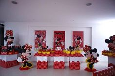minnie mouse birthday party ideas balloon polka dot | Minnie Mouse Polka dots Birthday Party Ideas | Photo 1 of 7 | Catch My ...