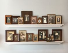 Nice display of vintage family photos Displaying Family Pictures, Vintage Family Pictures, Display Family Photos, Family Photo Frames, Old Family Photos, Family Wall Pictures, Family Picture Walls, Photowall Ideas, Home And Family