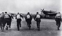 Battle of Britain Pilots Scramble 1940