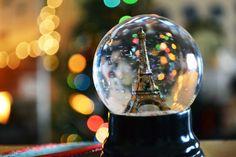 Foi-se o tempo em que os globos de neve eram usados apenas na decoração de natal. Hoje eles ganham novas figuras e são usados também na decoração do dia a dia. Então, que tal aprender a fazer o seu próprio globo de neve? No nosso #blogdecor você encontrará um passo a passo para te ajudar, com certeza você vai se apaixonar e fazer um mais lindo que o outro! <3