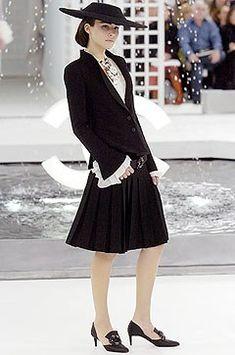 Chanel Spring 2005 Couture Collection Photos - Vogue