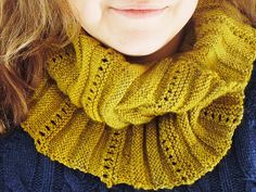 Afrato cowl - free pattern from Wool & Cotton by TwinkleShine