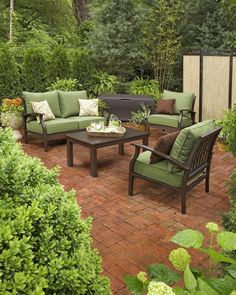The perfect patio set! Look again mom! @louiseolson