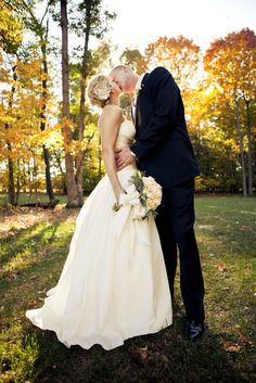 One of our favorites sun-kissed wedding photos from hannahelaine photography