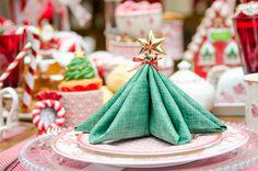 Como dobrar guardanapos de Natal ~ Cecilia Dale