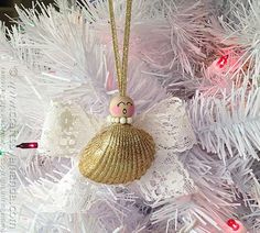 Golden Glam Shell Angel Ornament | If you love angel crafts AND the beach, then you need to make this DIY ornament right now!