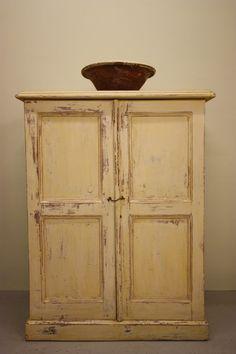 A 19th Century Antique Pine Cupboard