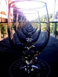 Wine glass illusion