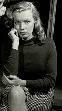 Pouty Marilyn Marilyn Monroe Brunette, Marilyn Monroe And Audrey Hepburn, Young Marilyn Monroe, Norma Jean Marilyn Monroe, Marilyn Monroe Photos, Funny Beauty Quotes, Quotes For Girls Beauty, She Quotes Beauty, Hollywood Glamour