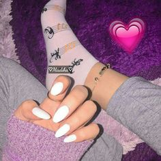 Creative Instagram Stories, Instagram Story Ideas, Foot Pictures, Girly Pictures, Aesthetic Photo, Aesthetic Girl, Girls Foto, Profile Picture For Girls, Black Wallpaper Iphone
