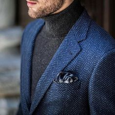 Men casual styles 54184001750669916 - Constructed in a supremely soft herringbone weave, the focal point of this sport coat is its distinct and vibrant blue, offering your look the ultimate sartorial centerpiece. via Joseph Abboud Source by menswearhouse Mens Fashion Blazer, Suit Fashion, Sweater Fashion, Look Fashion, Trendy Fashion, Fashion News, Blazer En Tweed, Stylish Men, Men Casual