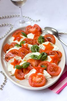 Christmas serving Ideas: Tomato and Mozzarella salad!
