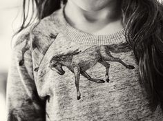 Finger in the Nose   Horse sweater   minor de:tales blog