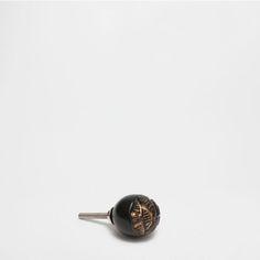 BOUTON DE MEUBLE RELIEF PIERRE (LOT DE 2) - Nouveautés | Zara Home France