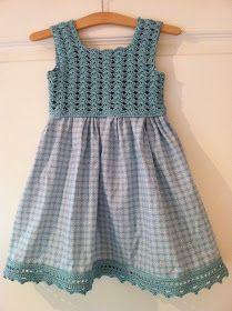 """Dette er kjolen """"alle"""" lager for tiden, så da lille barnebarnet fylt. Crochet Summer Dresses, Crochet Girls, Crochet Baby Clothes, Crochet For Kids, Crochet Yoke, Crochet Fabric, Crochet Blouse, Crochet Tutu, Little Girl Dresses"""