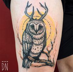 O trabalho marcante e colorido do tatuador Dino Nemec