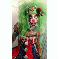 Special effects clown makeup by @tesazombie
