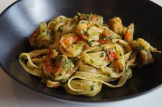 matvrak: Tagliatelle med scampi, spinat og tomat