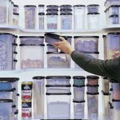 Love me some Tupperware and organization in my pantry!  <3