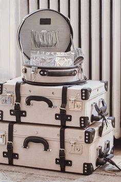 The Editor Series Linen and Leather Hatbox – Small - travel luggage Luxury Luggage, Travel Luggage, Luxury Travel, Travel Bags, Travel Backpack, Cute Luggage, Vintage Luggage, Luggage Sets, Small Luggage