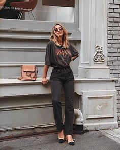 3a29707bbc0e5f 48 Best vintage graphic tees images in 2019 | Vintage graphic tees ...